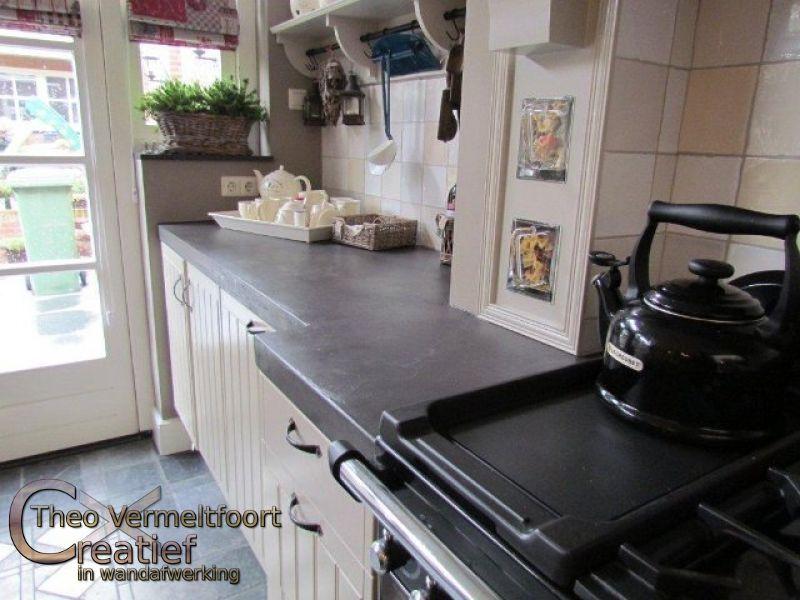 beton ciré aanrechtblad in sfeervolle keuken